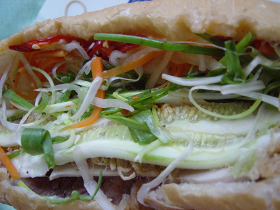banh-my-pate-filling
