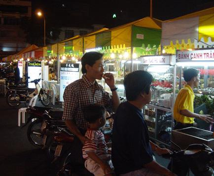 ben-thanh-night-market.jpg