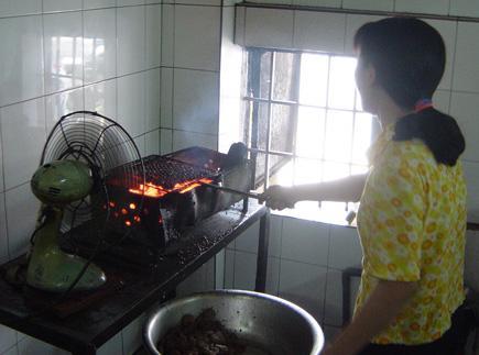 ho-tay-bun-cha-kitchen-1.jpg